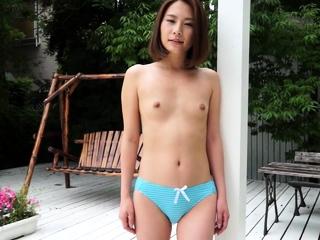 Japanese beautiful open-air girlie show Ian Hanasaki
